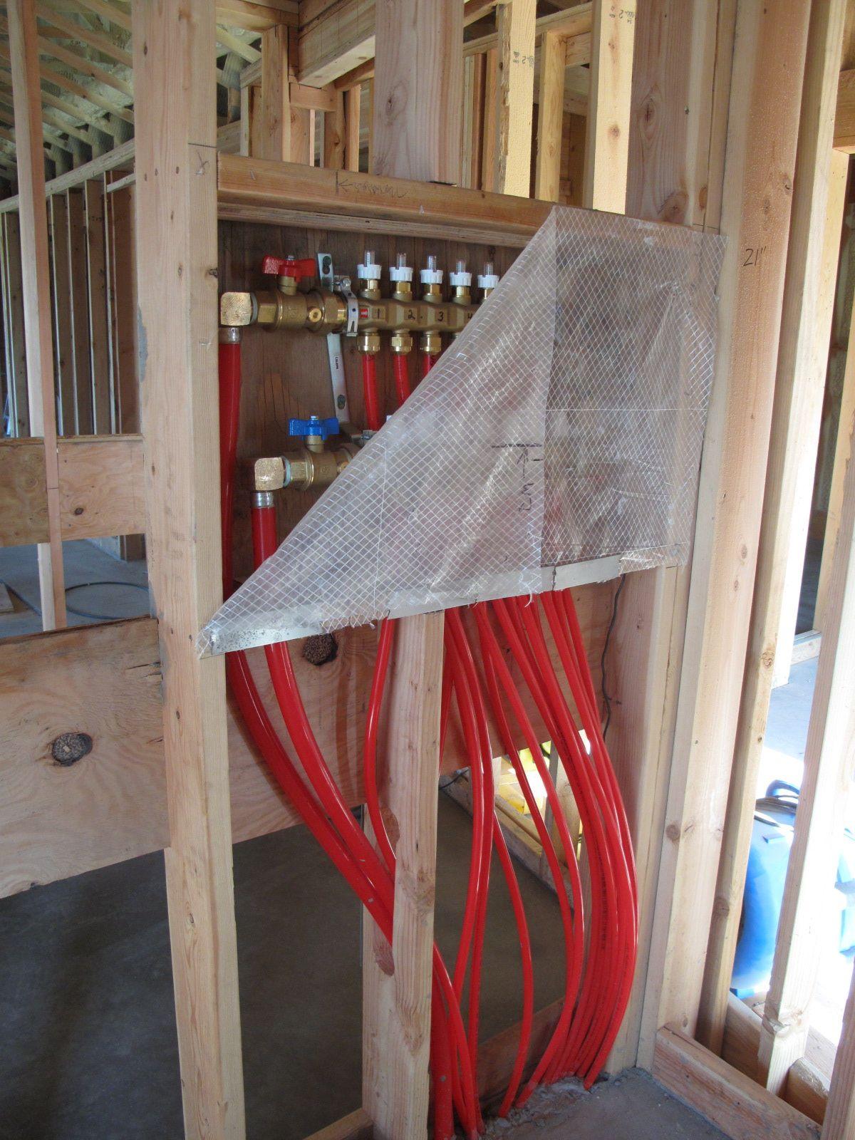 Hydronic, infloor heat system