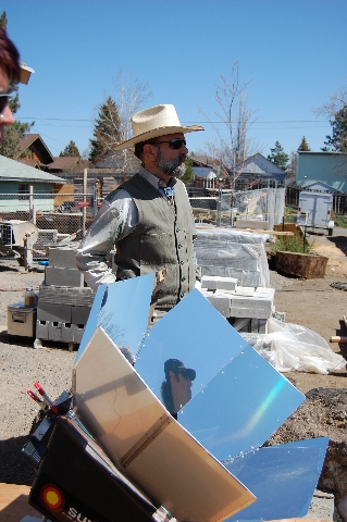 Tom and the solar oven