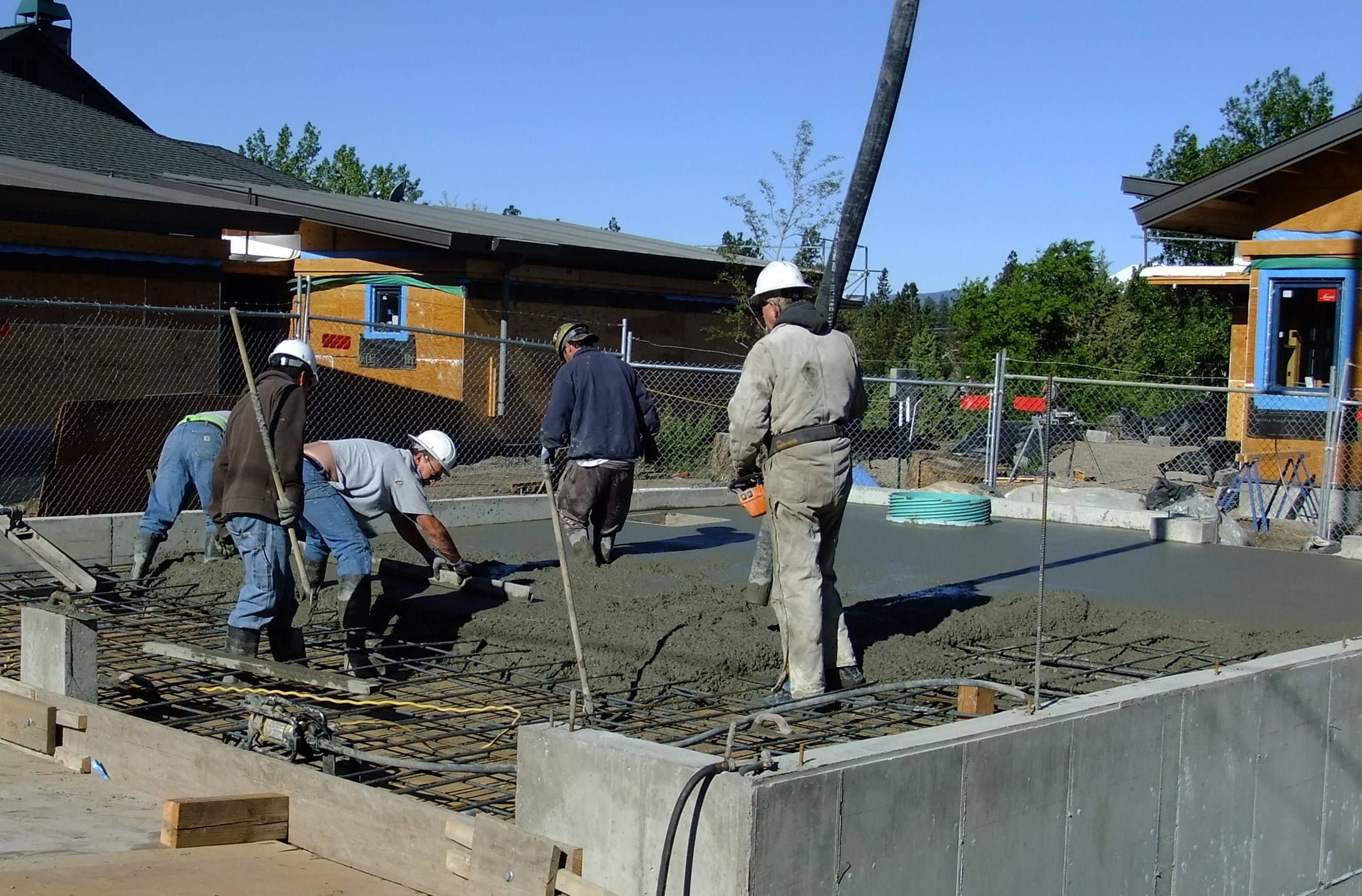 Pouring the concrete, cistern lid.