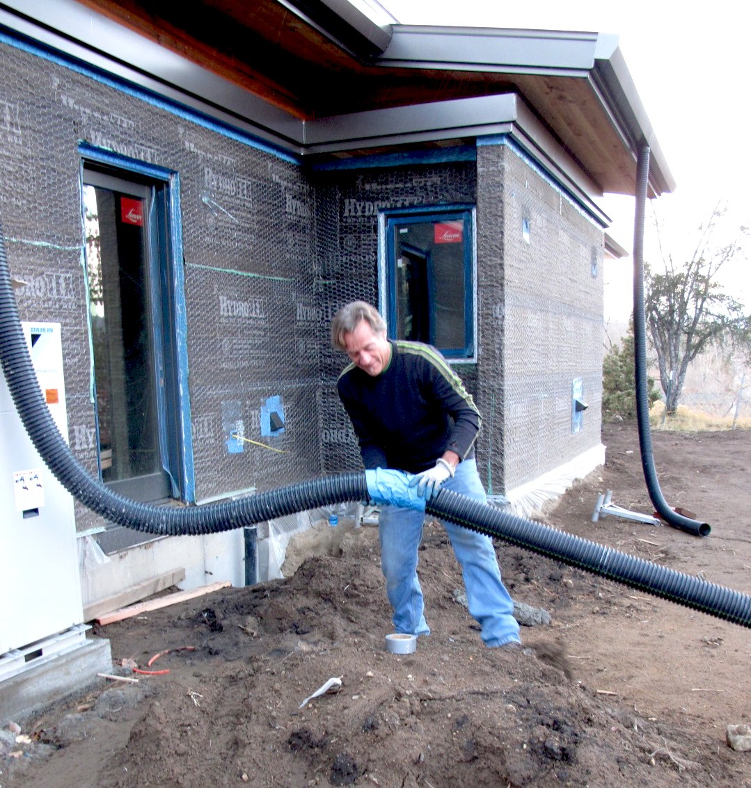 how to find a rain water leak in a house