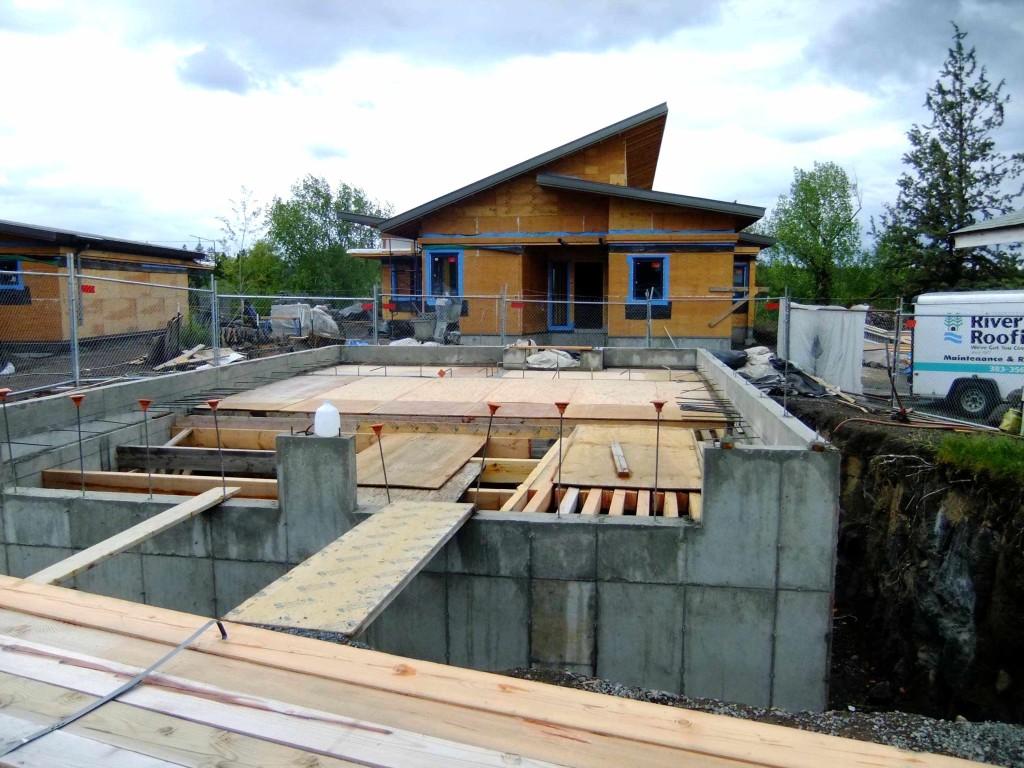 pre-cistern slab pour